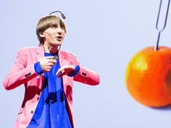 Neil Harbisson: I listen to color