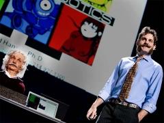 "David Hanson: Robots that ""show emotion"""