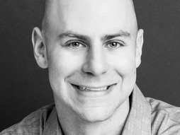 After years of studying the dynamics of success and productivity in the workplace, Adam Grant discovered a powerful and often overlooked motivator: helping others.