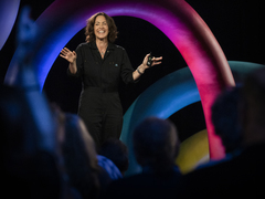 Wendy MacNaughton: How drawing invites authentic connection