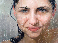 Alyssa Monks: How loss helped one artist find beauty in imperfection