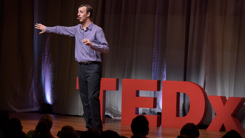 Adam de la Zerda: We can start winning the war against cancer thumbnail